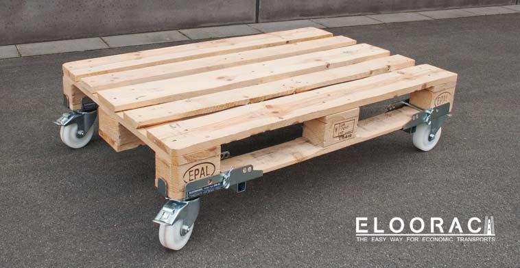 Gebremste, lenkbare Eloowheel Transportrollen von Eloorac an einer EPAL Palette oder Euro Palette.